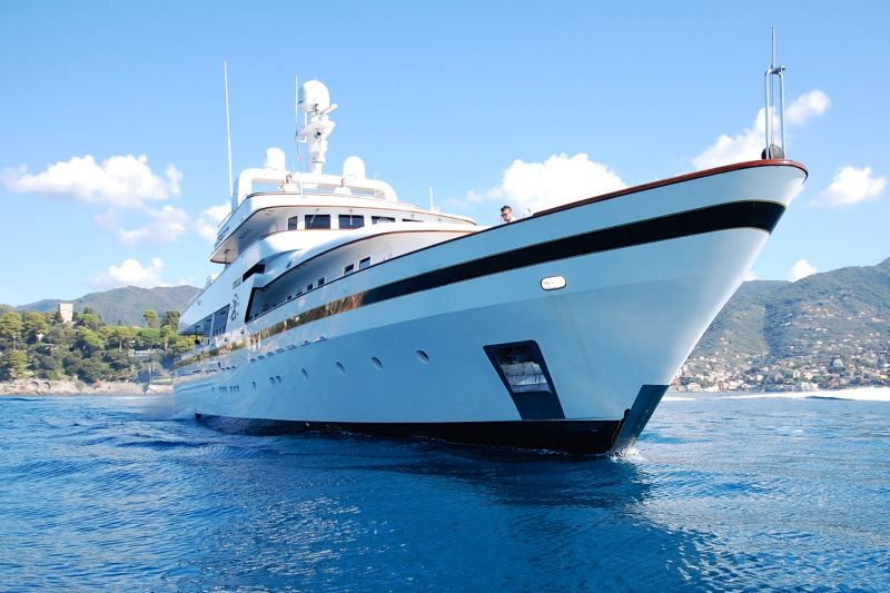 Flying Charter appointed as worldwide sole Central Agency for M/Y IL CIGNO